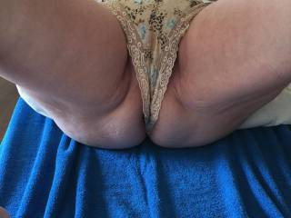 Oh! Fuck.I would come in my jeans as I pulled those knickers to one side...Yum Yum.xx