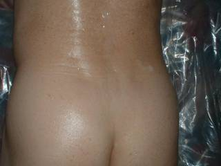 Oil rub, I\'m bisexual and would like to get together with who\'s interested, I also like to serve and do nude cleaning and chores for people  as a fetish, like all kinds of sexual things.