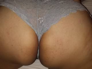 Now this makes me want to tear her panties off and pound that tight ass. Any one agree?