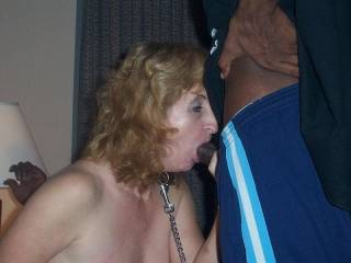 She can barely get her lips around u. Nice pic