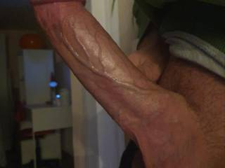 I want someone to suck on my balls