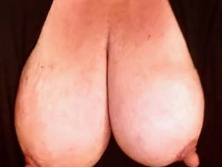 This saggy slut granny loves nipple play and tits exhibition.  Love sucking tits and having mine sucked.  Also enjoy rubbing my nipples in a wet, juicy pussy.  Also enjoy having them sucked by two people at the same time while they finger my cunt together