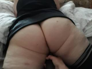 lisa s pussy being warmed up before she is fucked hard