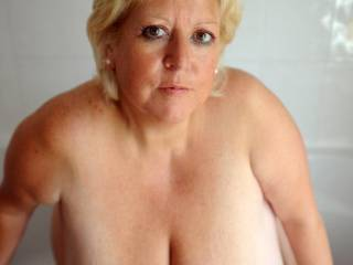 Marie you are a very sexy beautiful full breasted lady wow hot kiss kiss