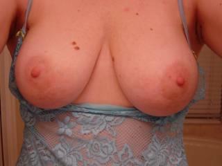 Mmmmmm would love to put my dick between those beautiful tits!