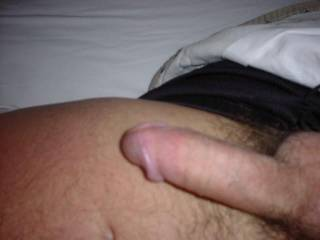 Morning wood has always been good, both for fucking and sucking....I'd love to find you ready for a good suck......