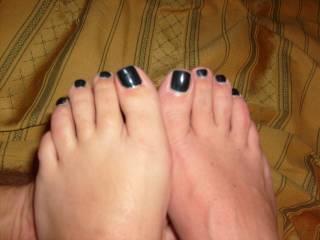 The wonderful feet of my friend, a very hot 42yr old MILF...