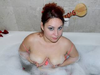 Cute sexy gorgeous..........can i visit and play MFM fun