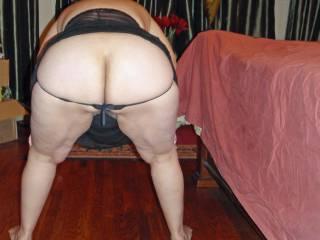 I\'m a naughty wife...wanna spank my ass?
