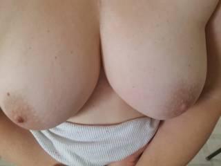 My wife\'s big sexy tits.