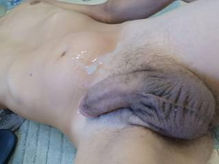 Just jerked my cock off and shot a load of cum on my belly. Just had to take a pic of it.
