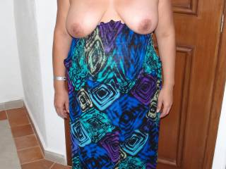 When on vacation, strapless dresses are a must for certain naughty & fun reasons!