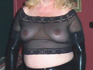 A Beautiful lady with a Sexy smile and dressed to impress as well! Perfect 10! xxx xxx