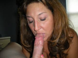 Beautiful Picture ! She looks so nice and sexy with that cock in her mouth~