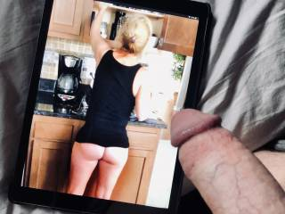 I\'m glad Husbandshares shared his wife, sexy shot.