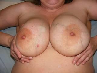 mmmmmmmm-nice big soft fuckin titties!!!!!!!!!!