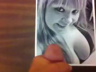 What do you think of Shelley?? She looks at you, all the time! , She wants a tribute from you sooooo bad! hort_tech@yah