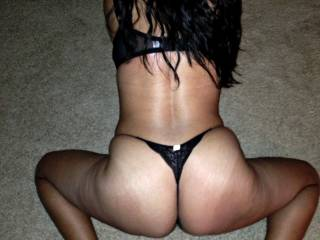 showing off her sexy ass. what do you think?