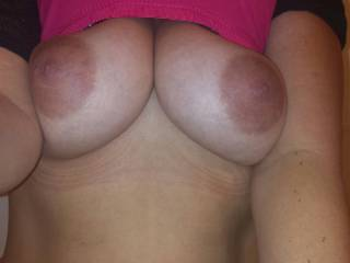 Haven't seen those in ages! Best nipples and tits on here. Me and the Mrs still love looking through ur pics. PM us if u ever want to share pics and vids like we used to!!! X