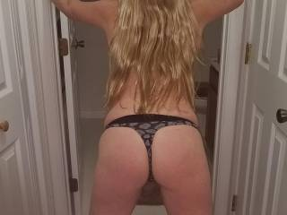 Love her beautiful body ,ass and hair