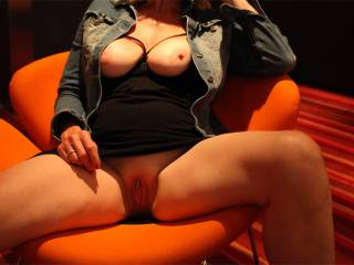 Very tempting !!! Cindy,I would love to lick,suck your lovely pussy,then take you in different positions to make you moan while enjoying orgasm after another.