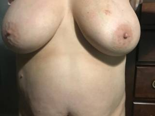 this is the picture her friends husband came too...his text said tammy...i need to fuck those tits...anyone else wanna titty fuck her..........
