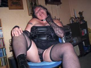 Yes your right what a horny photo wanked a lot while looking at this horny photo of a gorgeous women.