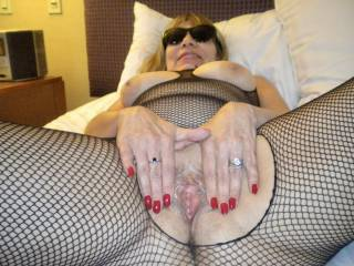 My submission for the August SUNGLASSES themed contest! My hotwife spreading that married pussy for her boyfriend at a local hotel! Doesn\'t that pussy look good?
