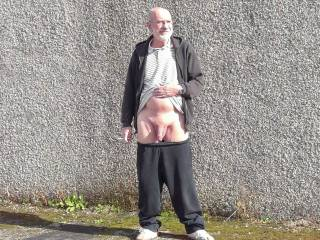 Just flashing my dick outside,anyone want to join me?