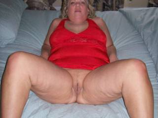 """Mrs Daytonohfun from here on zoig posing for a picture to send her hubby of her pussy as a """"before"""" we fuck picture!"""