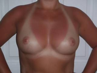 ummmm so SEXY........ love to shower your hot TITS with my CUM !