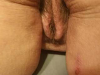 Oh I wish I could suck that fat hairy pussy.   MMMM   so good.