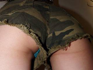 lucky she has blue knickers on otherwise I wouldn't see her ass for the camouflage