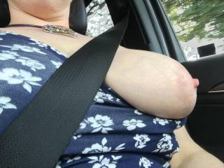 Just the one boob  - cheeky road trip!😉