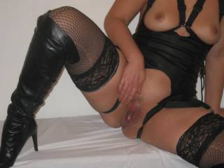 mmmm wow you look very sexy in your little black number mmm and you pussy looks sooo lickable mmm yummmy  xx,lol