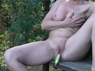 I'd love to lick your pussy while we slide the fruit up adn down in your pussy, bet your pussy juice tastes delicious!