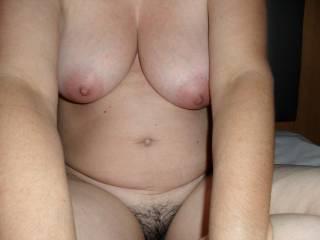 Mmmm love to suck on her sweet nipples. Fantastic.