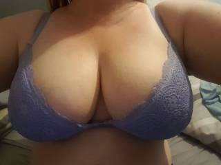 Fuck buddy teasing me, sends me this and says she's horny as fuck. I'm there in 10 mins