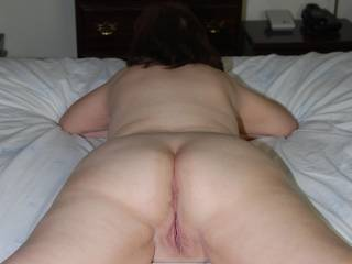 Mmmmm nice ass and pussy. J wana put my young and hard cock in all your holls...