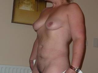 Luv her furry pussy, nipples, sexy chin . I wanna use her.......................  Basil