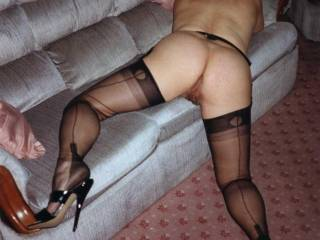 LOVE TO HAVE MY COCK UP THERE,WOW,LOVE THE NYLONS
