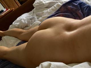 showing all my ass while rest after a good sex session !!!!!