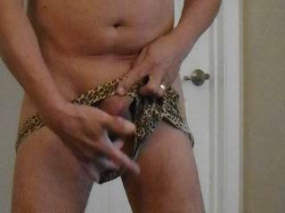 strip show for all those hungry for a nice big juicy cock and shaved ass!!