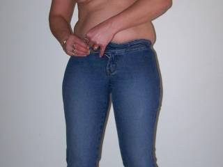 41yr old chubby milf about to get out of jeans