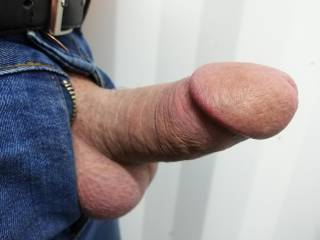 All the hot women and sweet shaven cocks are getting me horny, hope you\'re horny too.