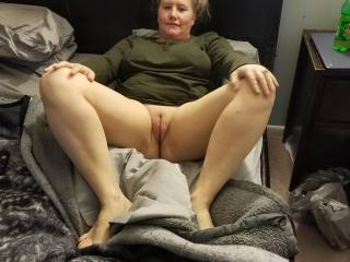 Misty showing her pussy