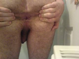 spreading my ass, any1 lend me their tongue?