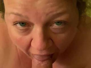 A good wench sucking her Captain's cock