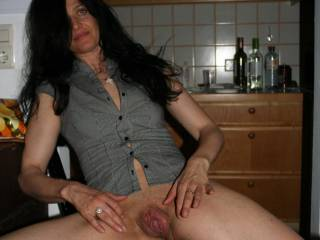 i know know what a perfect vagina looks like,i love it would love to put my swollen cock in you and pump milk