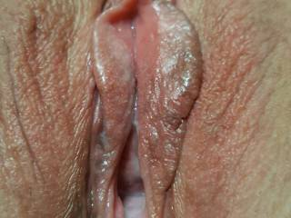 My horny pussy waiting for something nice and big.